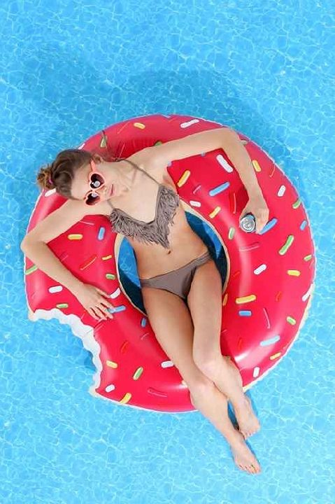 Floating donut. Must-have.