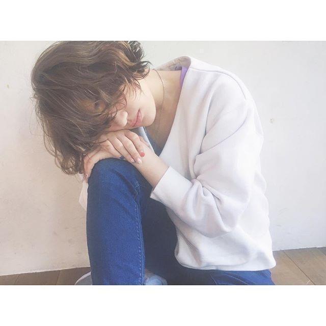スタイリスト:秋山 絵梨香のヘアスタイル「STYLE No.17078」。スタイリスト:秋山 絵梨香が手がけたヘアスタイル・髪型を掲載しています。