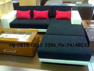 Konsep minimalis saat ini memang sedang ngetrend di masyarakat. Dimulai dari rumah yang berkonsep minimalis sampai dengan furniture minimalis termasuk sofa. Konsep ini memang sangat unik, karena memanfaatkan fungsi semaksimal mungkin dengan nilai seni tinggi. Hasilnya sangat unik dan indah. Untuk konsep sofa minimalis ini, memang cocok bagi kita yang ingin memaksimalkan ruangan kecil dan di isi dengan sofa untuk menjamu tamu.