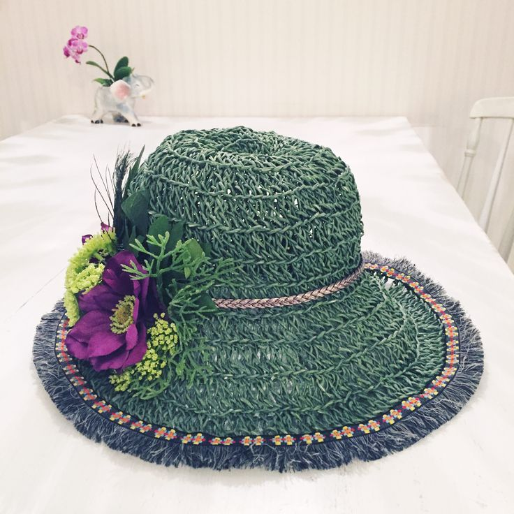 Crochet green summer hat paper cord artificial flowers vintage trim