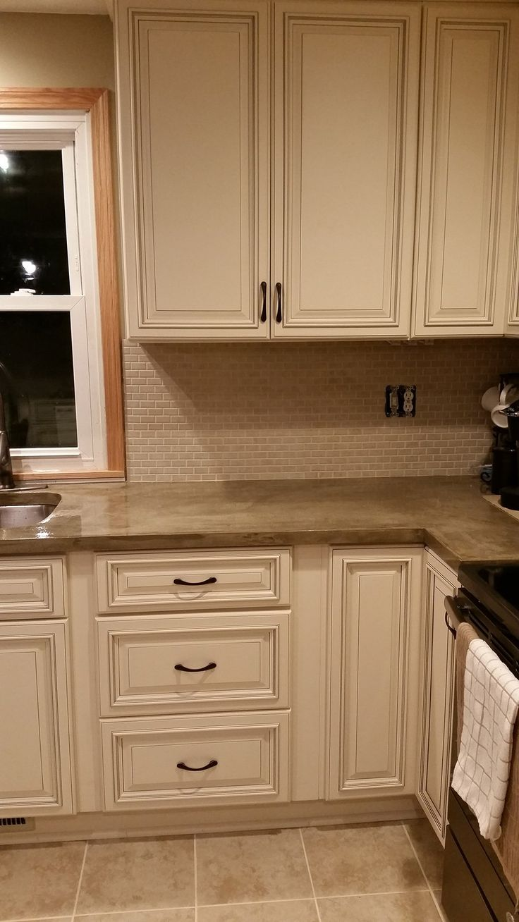 best 25 kitchen cabinets online ideas on pinterest cabinets buy pearl kitchen cabinets online pearl assembled kitchen cabinets have a finished matching interior and cabinet sides all of our assembled kitchen