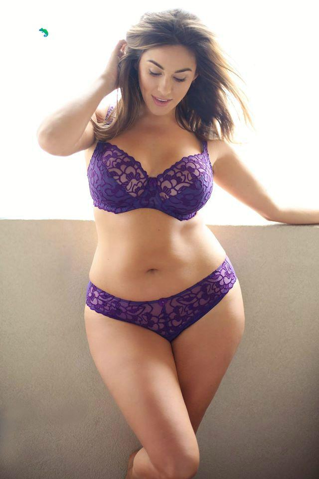Plus Size Model Jennifer Maitland...