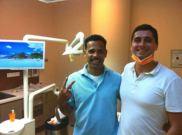 Dr. Bodnár and his satisfied patient. Manuel has to visit Budapest for completing his dental treatment. During the first visit Dr. Bodnár did sinus lift and bone grafting in order to have enough bone to receive implants. After a half year of healing time he will be back for getting dental implants and after a 3 – 6 month period he will be back for crowns…