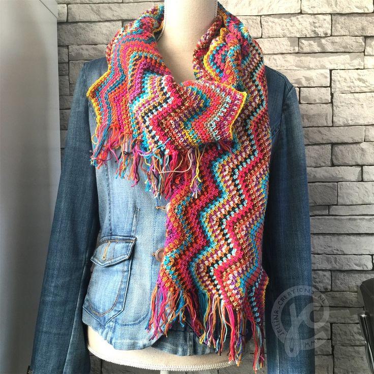 Foto: Mijn sjaal weegt 438 gram. 29 centimeter breed en 208 centimeter lang (zonder franje gemeten) Ik zette 576 steken op. 24 steken per 'punt' Ik maakte 24 punten