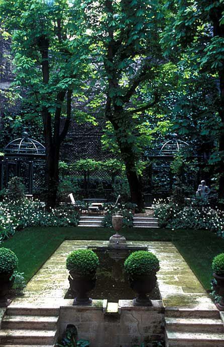 .: Paris Gardens, Gardens Ideas, Garden Ideas, Secret Gardens, Gardens Design Ideas, Modern Gardens Design, Interiors Design, Formal Gardens, Outdoor Spaces