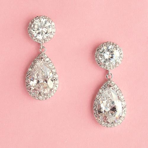 jewlery: Diamonds Earrings, Drop Earrings, Wedding Jewelry, Wedding Day, Beautiful, Accessories, Wedding Earrings, Bridal Earrings, Big Day