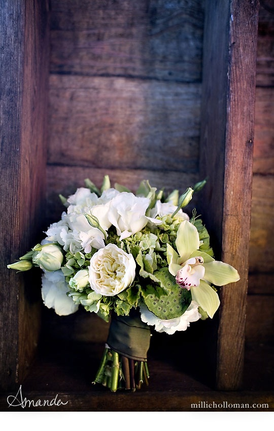 I love this vintage bouquet!