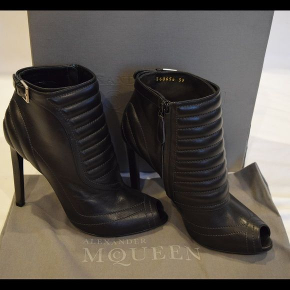 bcbgirls-elyas-black-peep-toe