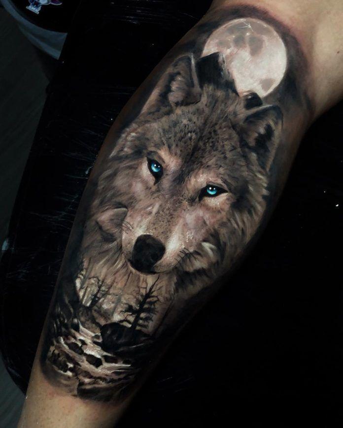 Tatouage De Loup Aux Yeux Bleus Sur Avant Bras Foret Et Riviere En Pleine Lune Wolf Tattoo Sleeve Wolf Tattoos Animal Tattoos