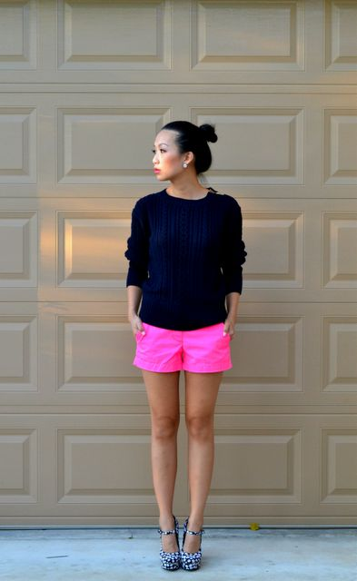 Pink shorts!: Neon Shorts, Colors Combos, Fashion Shoes, Bright Shorts, Black White, Girls Fashion, Neon Pink Shorts, Hot Pink Shorts, Girls Shoes