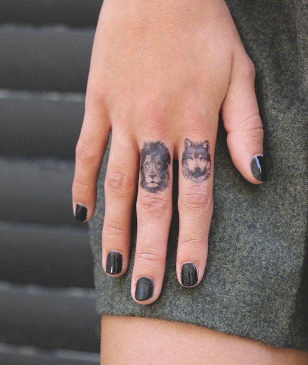 1000 id es sur le th me lion tatouages des doigts sur - Tatouage lion signification ...