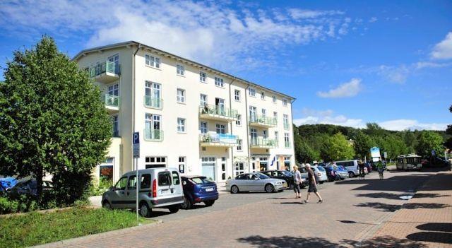 Ferienwohnung Sellin - #Apartments - $81 - #Hotels #Germany #OstseebadSellin http://www.justigo.com/hotels/germany/ostseebad-sellin/ferienwohnung-sellin_213243.html