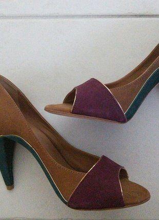 À vendre sur #vintedfrance ! http://www.vinted.fr/chaussures-femmes/escarpins-and-talons/31972621-neufs-escarpins-chic-tricolore-andre-39-veau-velours