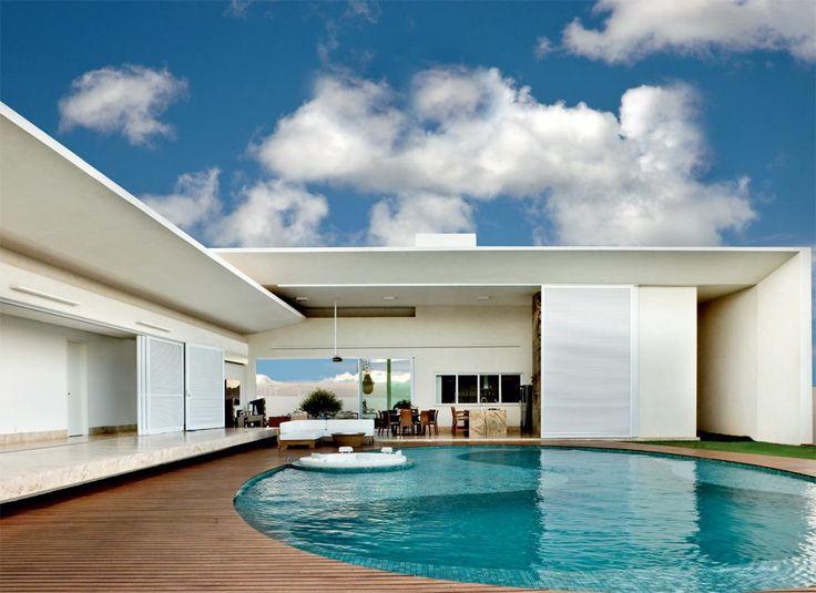 Casa projetada por leo romano tem piscina deslumbrante for Piscina 6 x 3