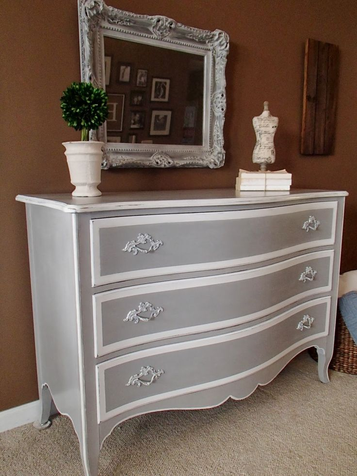 Paris Grey and Pure White http   stephsnewagain blogspot com 2014    Furniture RefinishingFurniture ProjectsBedroom. 1925 best Gray Painted Furniture images on Pinterest