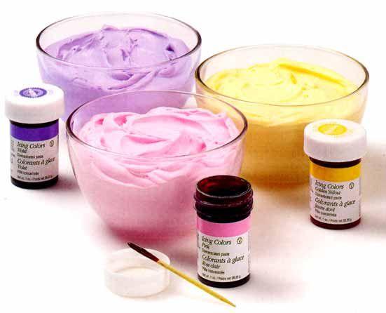 Aprenda a fazer glacê real para decorar bolos Massa é fácil, rápida de fazer e pode ter a cor que v...