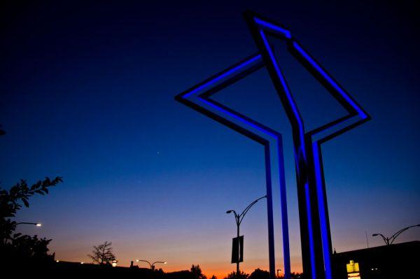 Outdoor LED sculpture install. #led #ledlighting #lighting #lightingideas #art #sculpture #lightingdesign #design