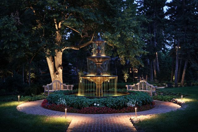 Gorgeous park-like setting - Illuminated fountains seem to glitter at night as the water and light bounce off each other to delightful effect...