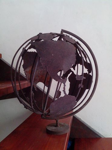 articulos para decoracion en hierro forjado, escultura de globo terraqueo