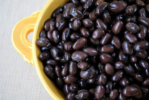 How to Soak and Cook Beans (properly cooked beans - so they are not hard on your tummy) from Modern Alternative Mama