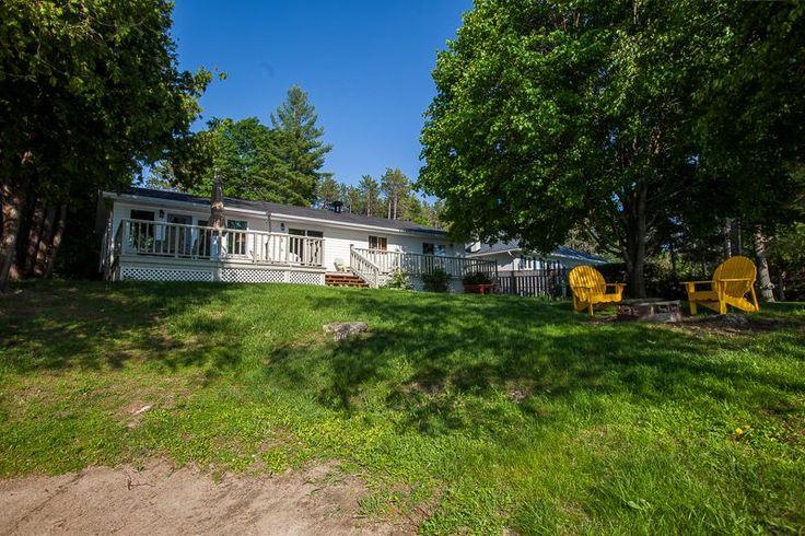 VRBO.com #737889 - Holidaylane Cottage on Mink Lake Eganville Ontario