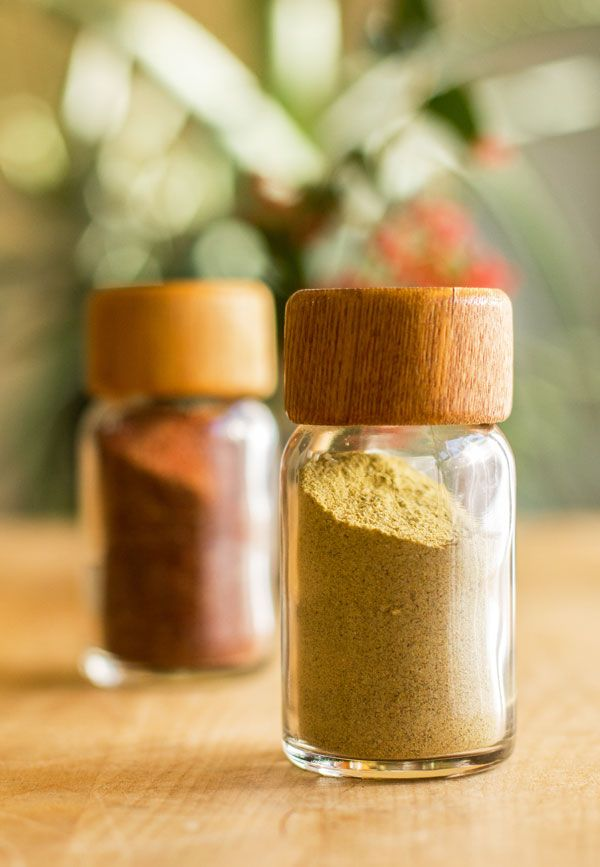 One of two chile spice blends made with New Mexico green chile powder and other spices and herbs #chile #spice @mjskitchen | mjskitchen.com