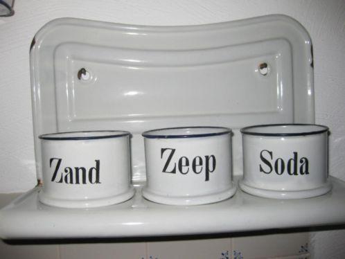 Zand. Zeep & Soda.