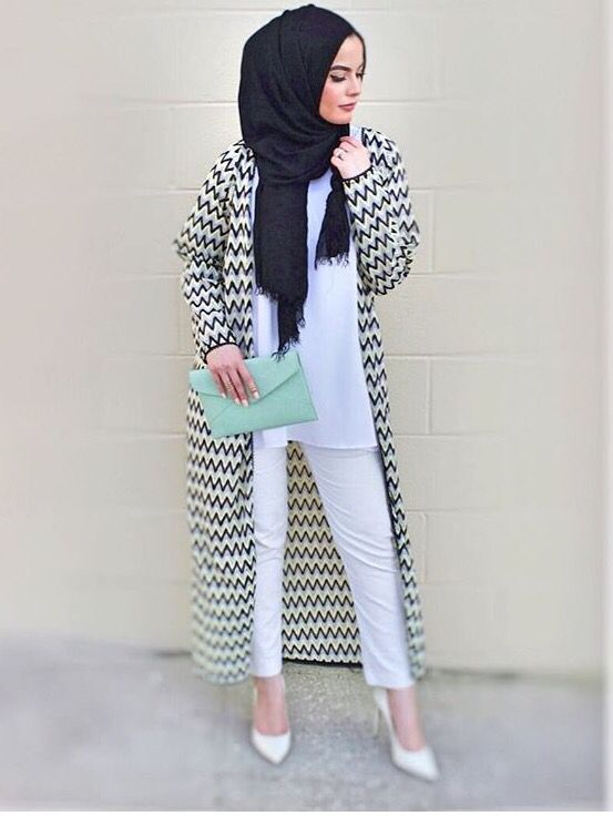 Monochrome black and white hijab street style                              …