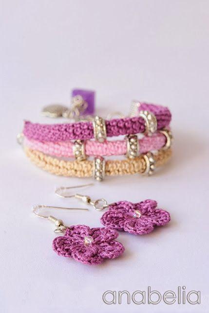Crochet bracelet and earrings by Anabelia