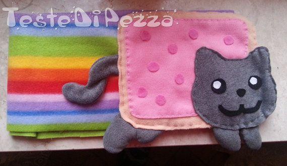 Sciarpa Nyan Cat in pile arcobaleno di TesteDiPezza su Etsy, €15.00
