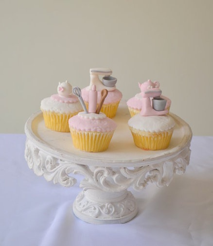1000 images about cutest cupcakes on pinterest piglets for Cupcake themed kitchen ideas