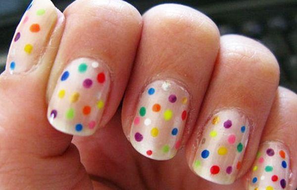 Diseños de uñas con puntos o lunares, diseño de uñas con puntos de color. Clic Follow,  #uñasbonitas #acrylicnails #uñasdeboda