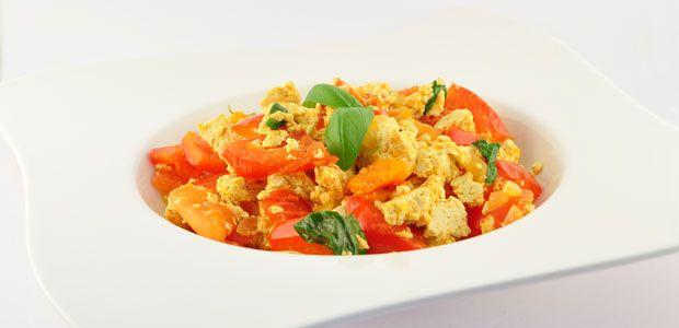 Roerbak tofu en tomaat recept - Supersnel gezond