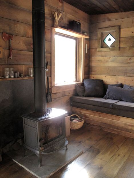 Tiny Cabin in Delhi, New York    An artist and a musician couple built this tiny cabin as an escape in Delhi, New York.     http://www.tinyhousetalk.com/tiny-cabin-in-delhi-new-york/