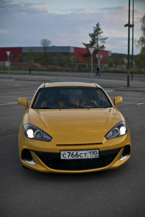 hyundai tiburon GT yellow and black interior custom