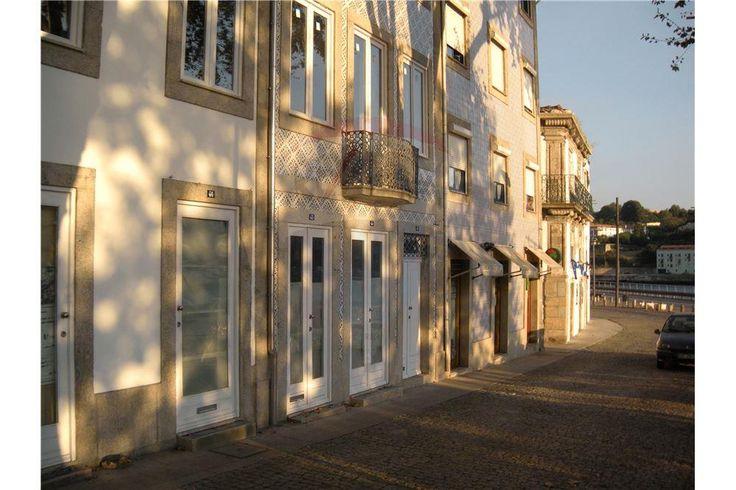 Lojas - Venda - Lordelo do Ouro e Massarelos, Porto