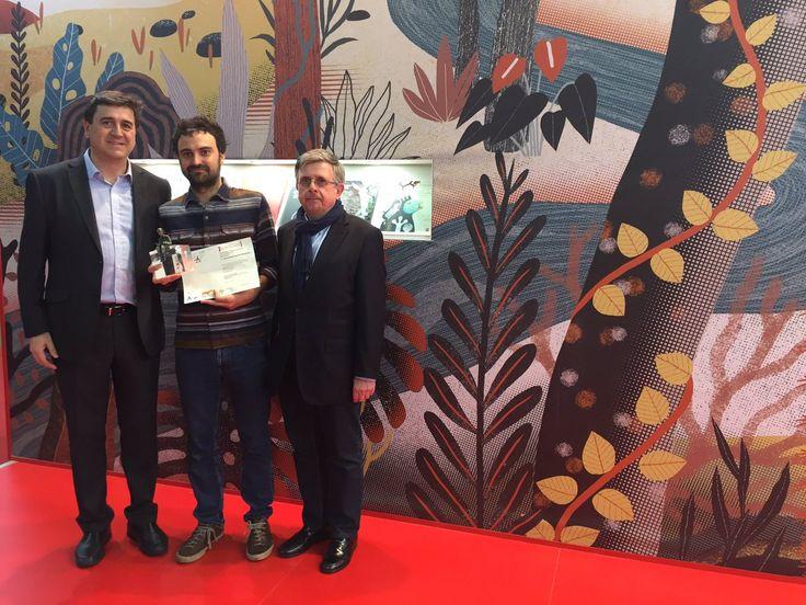 El galardón, dotado con 30.000 US$, ha sido entregado hoy en un acto celebrado en el CAFFÈ DEGLI ILLUSTRATORI de la Feria Internacional del Libro Infantil y Juvenil de Bolonia.