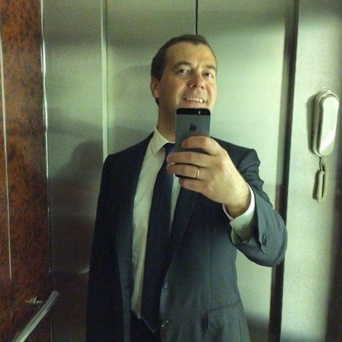 WHITE Technologies 2033: Внешняя политика Дмитрия Медведева (18+)