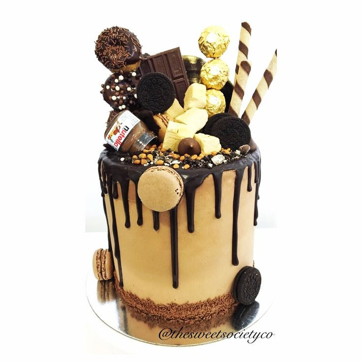 Chocolate overload! Chocolate drip cake with Nutella buttercream icing ❤️cake cake cake!