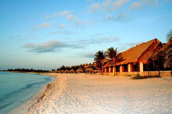 Akumal Beach Resort - All-Inclusive in Mexico. Our morning walk on the beach to breakfast