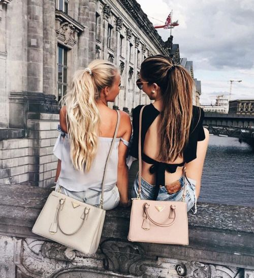 QOTD: What are the places you wanna travel with you bestie? Texas, California, Paris, New Jersey, New York, Hawaii, Caribbeans, & more