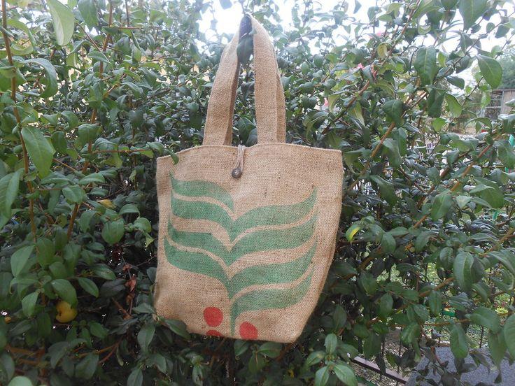 Borsa in tela juta riciclata da sacchi di caffè., by Le gioie di  Pippilella…