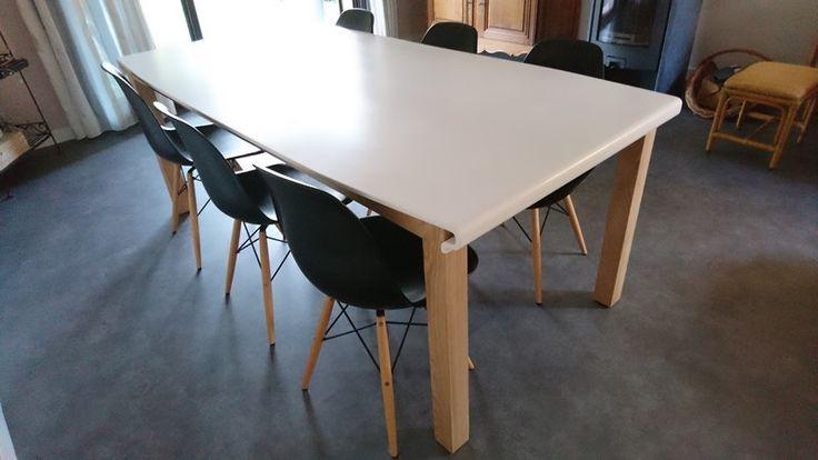 Table à manger Résine Solid Surface et bois