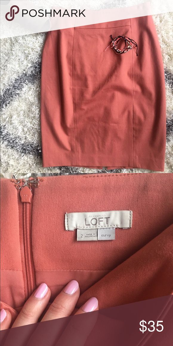 ✨LIKE NEW✨LOFT Coral Pencil Skirt in Size 2 CURVY Barely worn!!! Gorgeous coral color, curvy fit! 🎀 LOFT Skirts Pencil