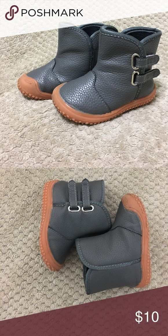 Toddler snow boots Very gently used! Super cute, waterproof boots! Perfect for playing in the snow. Shoes Winter & Rain Boots
