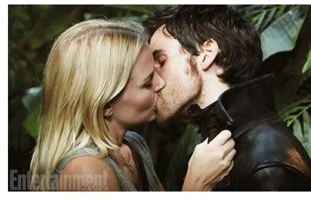 I tell you what I will forever repining pic of them kissing
