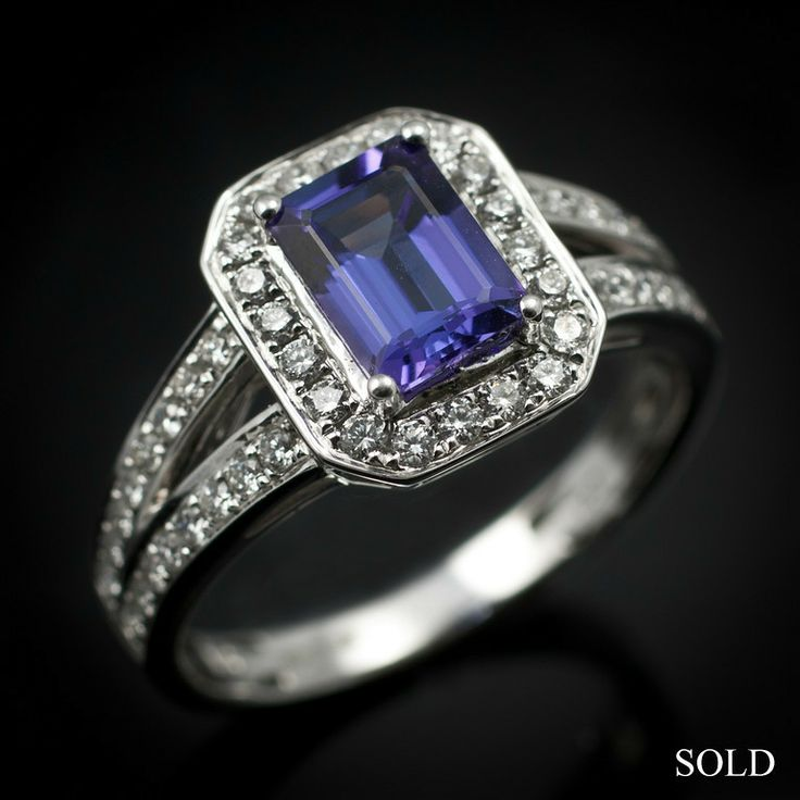 This beautiful sapphire and diamond ring has now been sold. We are able to replicate the design should you wish, just pop into our Warwick shop and discuss your requirements with our staff.