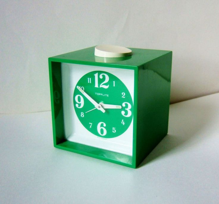 1970s vintage alarm clock bright green fun and funky 1970s vintage alarm clocks and clocks. Black Bedroom Furniture Sets. Home Design Ideas