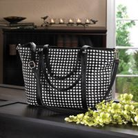 Show details for Checkered Tote Bag. #onlineshopping #online #shopping #shoponline #shopnow #sale #freeshipping  #accessories #bag #purse #tote #style #design #onlinestore