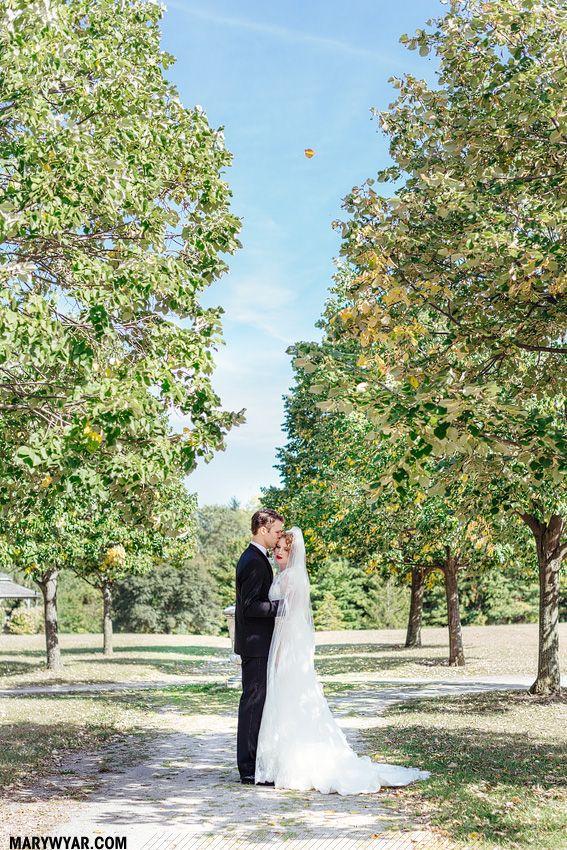 Toledo Botanical Garden Wedding Photos By Mary Wyar Photography Marywyarphotography Pinterest Gardens And Weddings